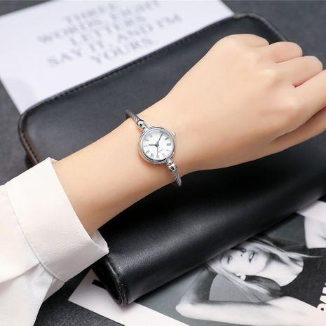 Reloj de pulsera de cuarzo literal romano compacto con correa abierta de moda para mujer NHSS267362's discount tags
