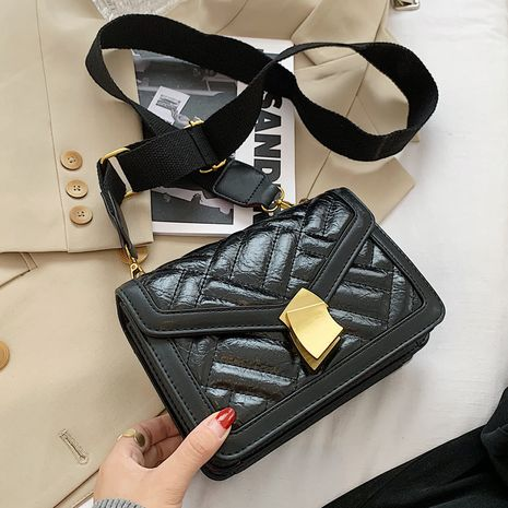 Car stitching rhombus new autumn fashion casual women's wideband shoulder messenger small square bag NHLH267410's discount tags