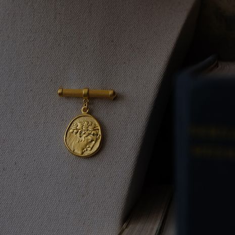 Asian Golden Head brooch NHYQ267756's discount tags