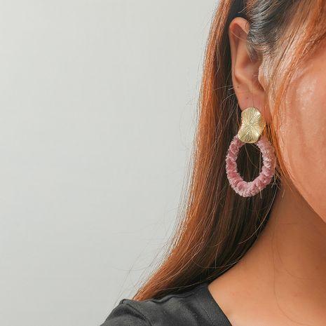 Pendientes de bola de pelo exagerados retro simples de círculo hueco de moda coreana NHKQ267918's discount tags