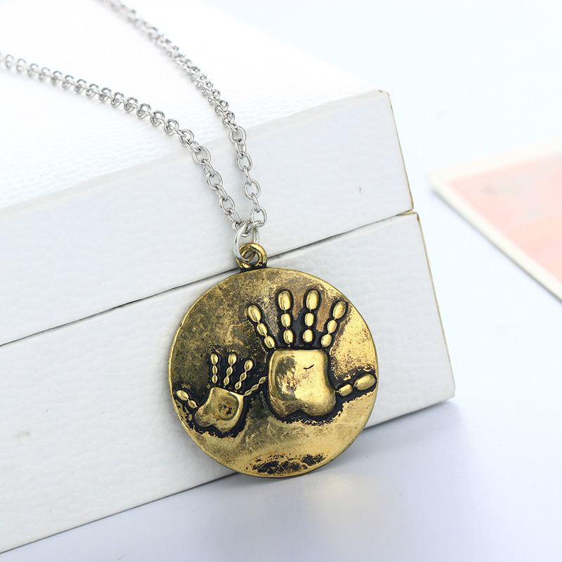 Retro hotselling ancient bronze big hand small hand round brand pendant necklace NHAN268422