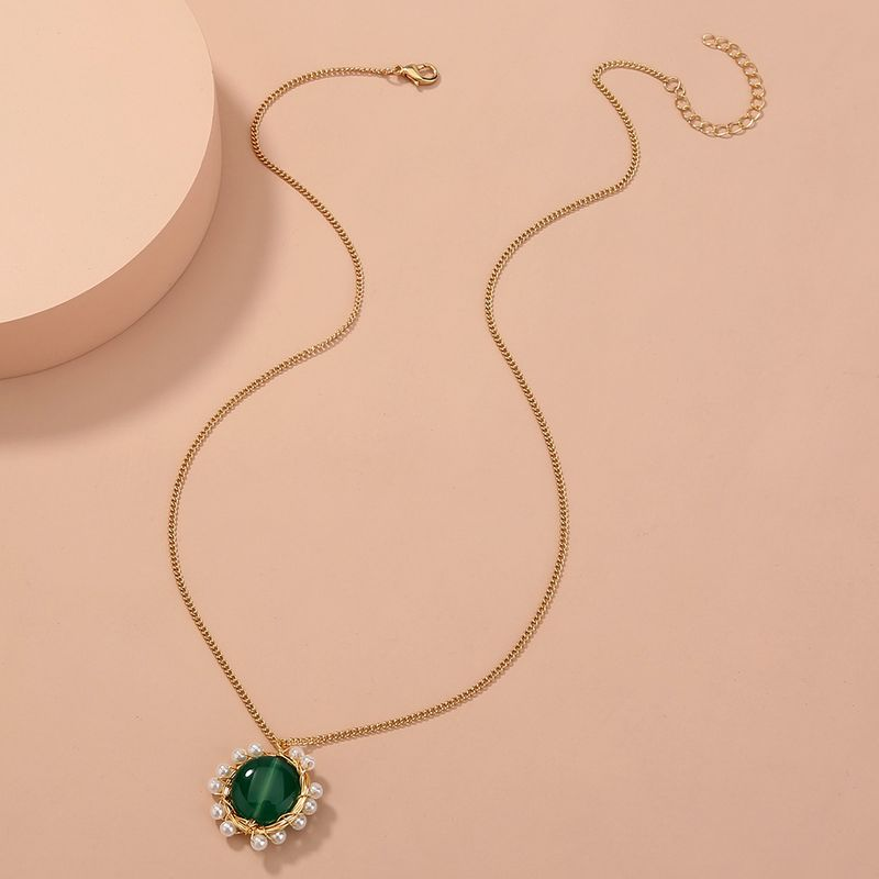 hot-selling green oblate natural stone pearl pendant simple and versatile elegant single-layer necklace NHAN268796