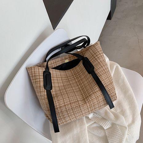 new  large-capacity  wild fashion portable underarm bag tote bag NHRU268813's discount tags