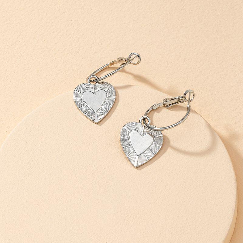 metal heart-shaped hot selling earrings  NHGU269604