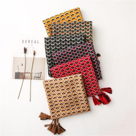 Bufanda de algodón y lino con peces de colores para mujer, otoño e invierno, círculo coreano, costura, mantón largo NHGD270003's discount tags