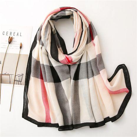 écharpe en soie chaude de gaze à carreaux britannique crème solaire châle de plage NHGD270017's discount tags
