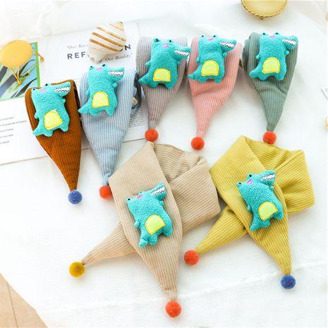 adorable écharpe triangle en crocodile NHCM270110's discount tags