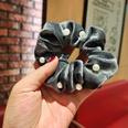NHUX1194634-Grey-Velvet-Pearl-Large-Intestine-Hair-Tie
