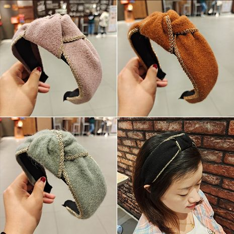 Korean  knotted  retro wind curly woolen cloth  headband NHUX270915's discount tags