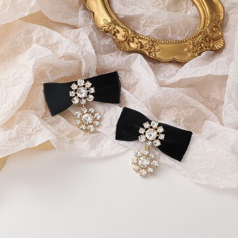 Boucles d'oreilles en strass avec nœud en velours noir et aiguille en argent 925 NHMS270966's discount tags