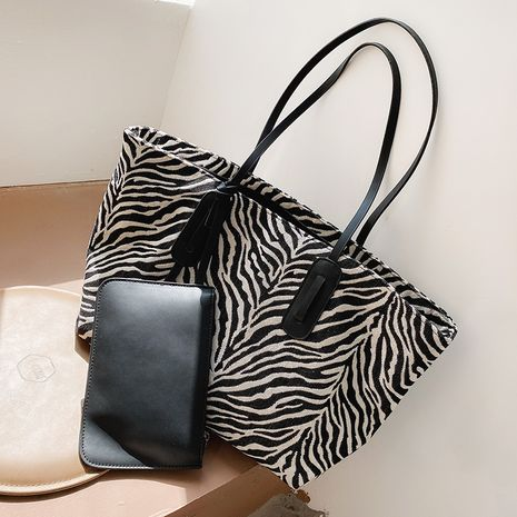 Simple one-shoulder new fashion large-capacity tote bag NHTC271679's discount tags