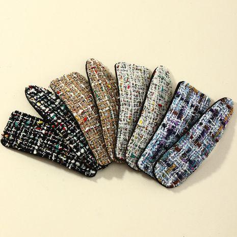 Korea Simple Fabric Plaid Hairpin  NHAU272586's discount tags