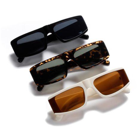 square retro sunglasses NHXU273141's discount tags