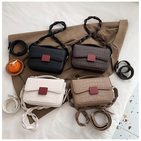 bolso pequeño cuadrado con estampado de cocodrilo y bandolera torcida NHLH273176's discount tags