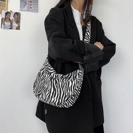 bolso retro de lona con estampado de leopardo NHHX273320's discount tags