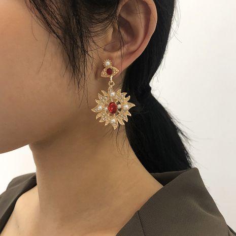 Retro Palast Sonnenblume Diamant Ohrringe NHMD273755's discount tags
