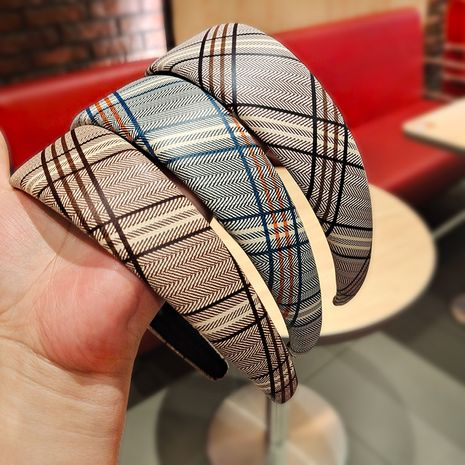 Korean retro wide-sided lattice headband NHUX274332's discount tags