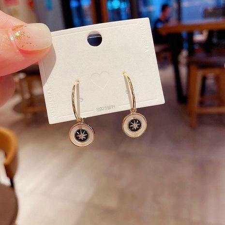 Aiguilles en argent coréen 925 simples boucles d'oreilles en diamant avec cercle de coquille naturelle NHCG274702's discount tags