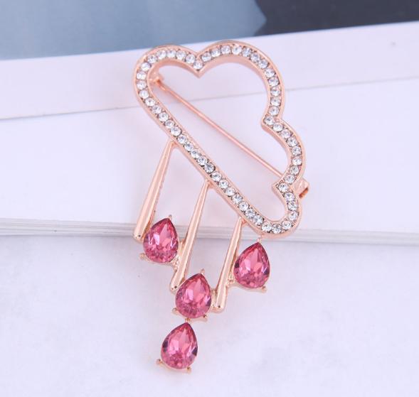 Korean version of fashion and concise diamond-studded Yunduoyu ladies brooch NHSC274488