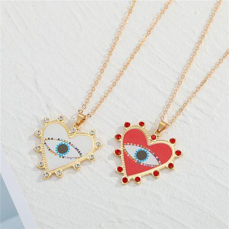 collier pendentif motif oeil du diable en forme de coeur strass NHGO275517's discount tags