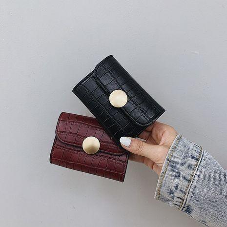 nouveau portefeuille multi-cartes court rétro à boucle sombre NHGA276897's discount tags