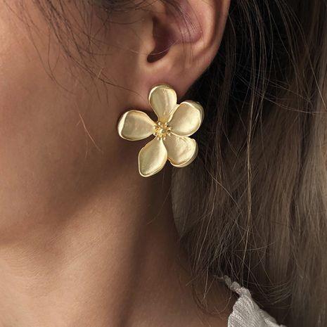 Pendientes exagerados de metal simple flor de Corea al por mayor NHMD265094's discount tags