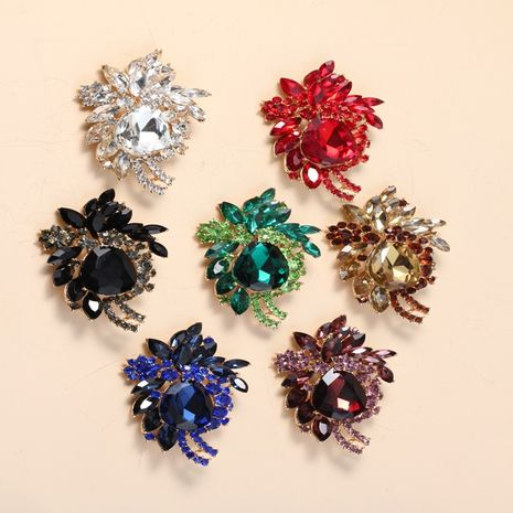 simple  exaggerated rhinestone  brooch  NHKQ265117's discount tags