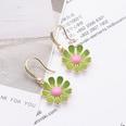 NHLJ1160529-Daisy-green-ear-hook