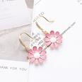 NHLJ1160530-Daisy-pink-ear-hook