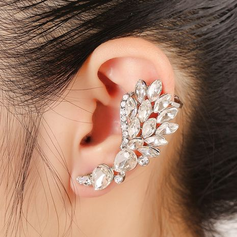 Blumenförmige Diamantohrringe NHYE281812's discount tags