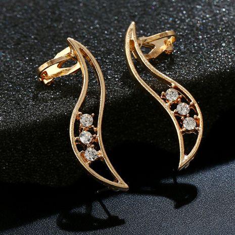 Boucles d'oreilles simples et irrégulières en cristal de diamant creux et zircon NHYE281849's discount tags