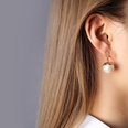 NHOK1256221-A-pair-of-imitation-pearl-earrings-in-rose-gold