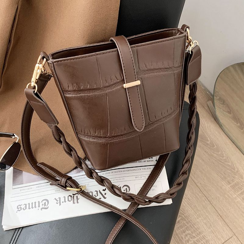 new fashion one-shoulder large capacity messenger bucket bag NHLH282835