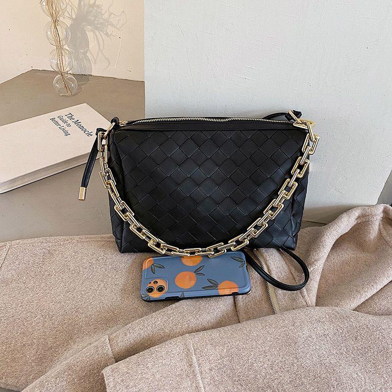 New Trendy  Chain Portable Fashion Wild Trendy  Messenger Bag NHLH282949