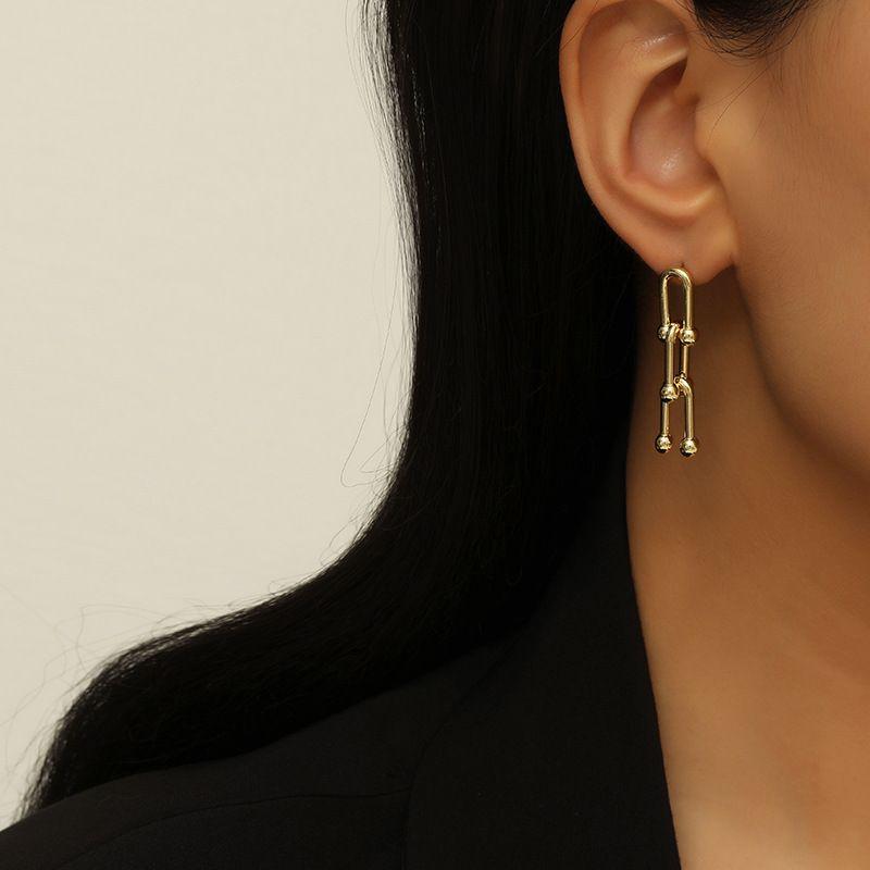 Simple metal horseshoe earrings NHKQ283437