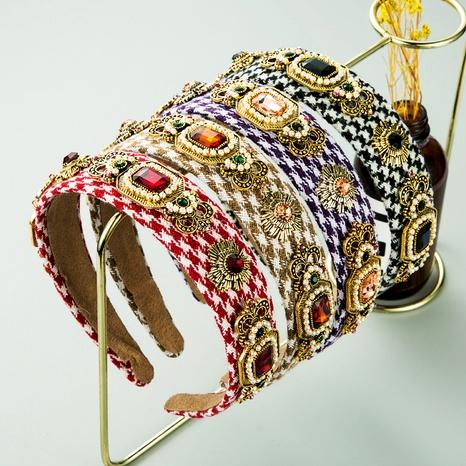 diadema barroca de perlas de flores con incrustaciones de diamantes de tejido de punto NHLN283656's discount tags