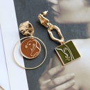 Asymmetric round square simple portrait earrings  NHOM283841