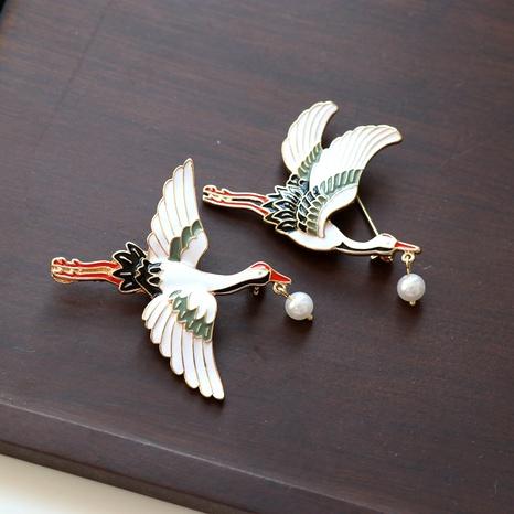 White handmade drip-glazed crane brooch NHOM283855's discount tags