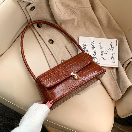fashion messenger underarm bag NHLH284162's discount tags