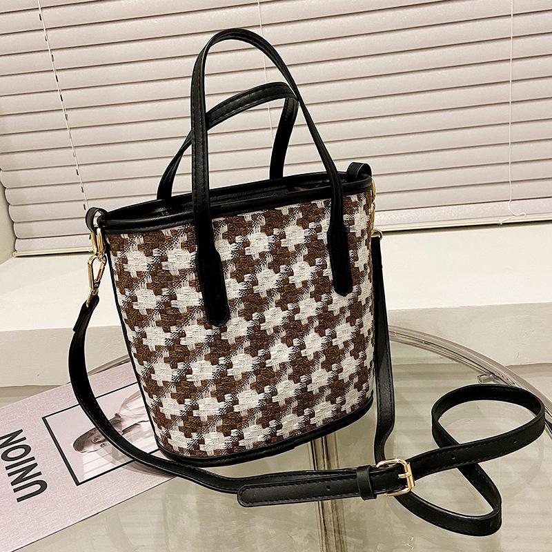 lattice single shoulder bucket bag NHJZ284637