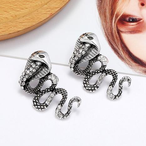 aretes de aleación con incrustaciones de diamantes de imitación cobra NHLN284974's discount tags