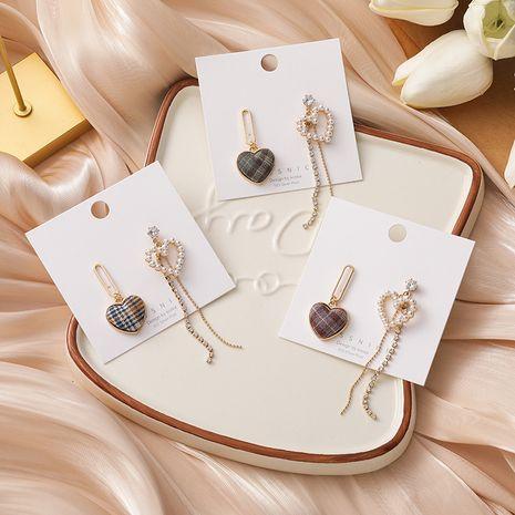 Boucles d'oreilles asymétriques coréenne à carreaux coeur perle strass pompon NHMS277364's discount tags