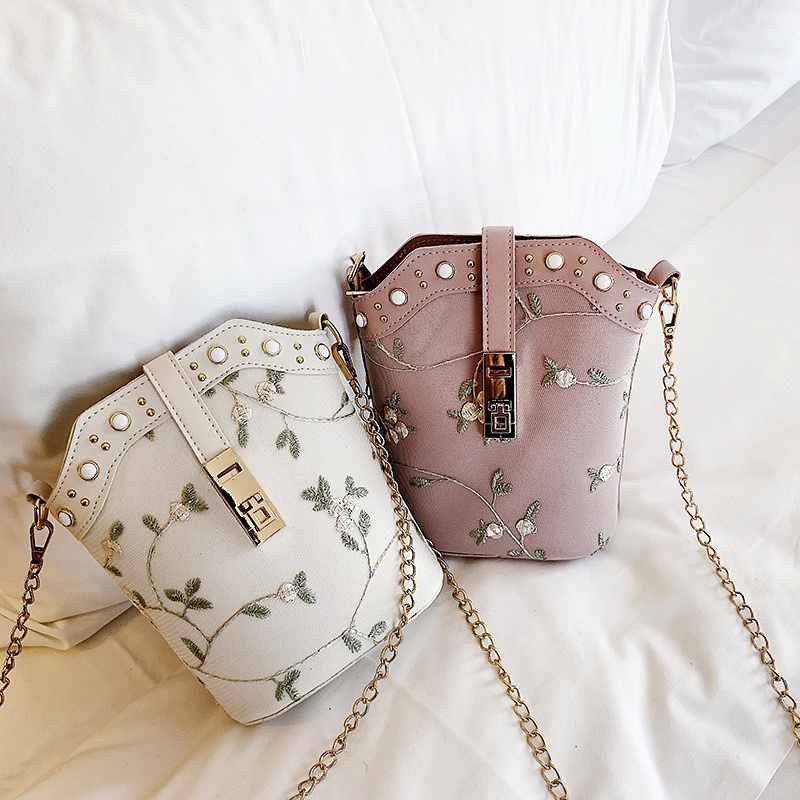 embroidered fashion single shoulder messenger bag NHEX287079