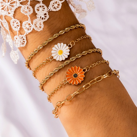 cute fashion color daisy metal chain  bracelet NHGY289543's discount tags