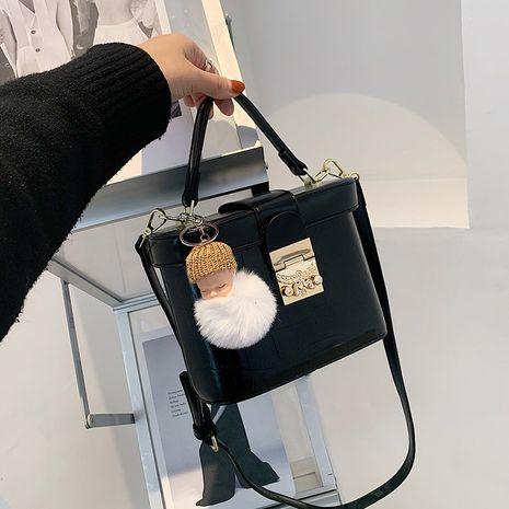 diagonal retro fashion bucket bag NHLH278451's discount tags