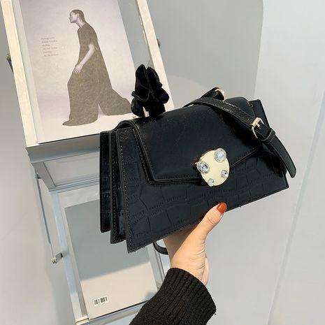 fashion portable messenger single shoulder small square bag NHRU279839's discount tags