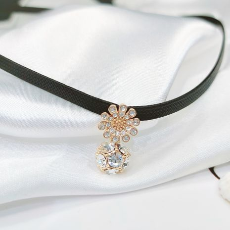 collar corto de cristal de margarita NHLJ280441's discount tags