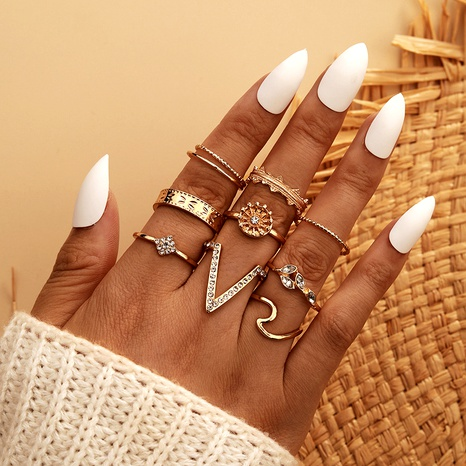 Nueva moda exagerada geométrica en forma de V anillo de junta de diamante conjunto de 9 piezas NHGY293736's discount tags