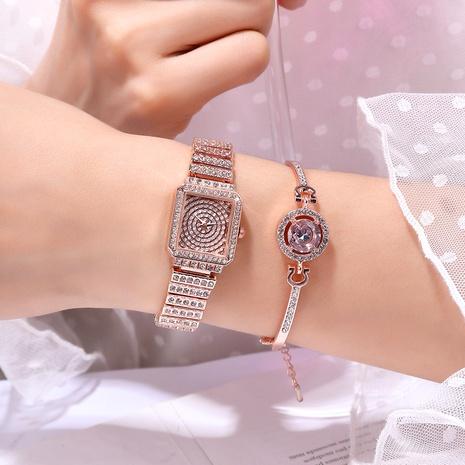 Reloj con banda de acero con diamantes NHSY294130's discount tags