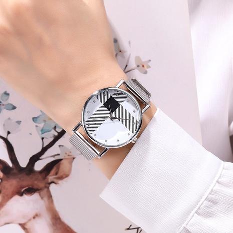Reloj de cuarzo de moda simple con diamantes NHSY294120's discount tags